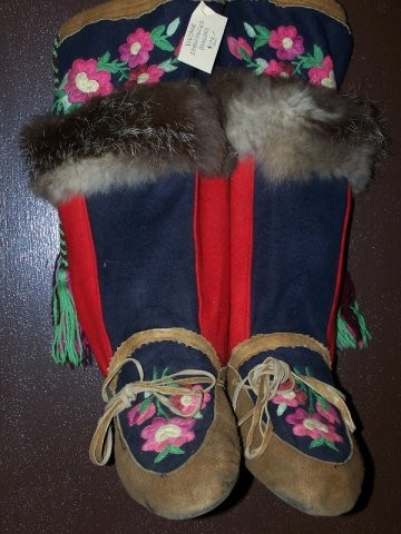 Embroidere Mukluks